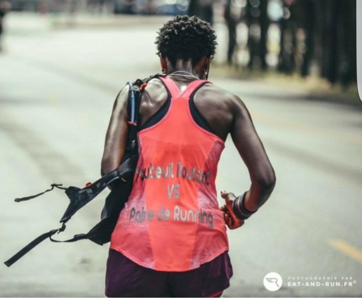 Fauteuil Roulant vs Paire de Running